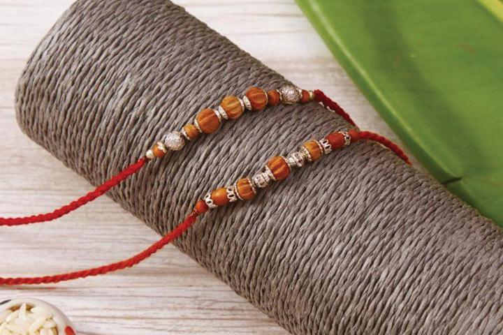 Fragrance of love enclosed in the aromatic Chandan Rakhis