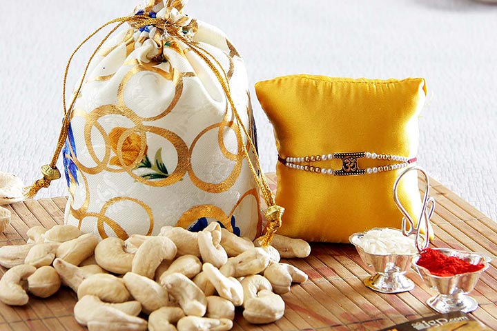 Express Delivery of rakhi with Dry Fruits to India – Take a Joy ride!