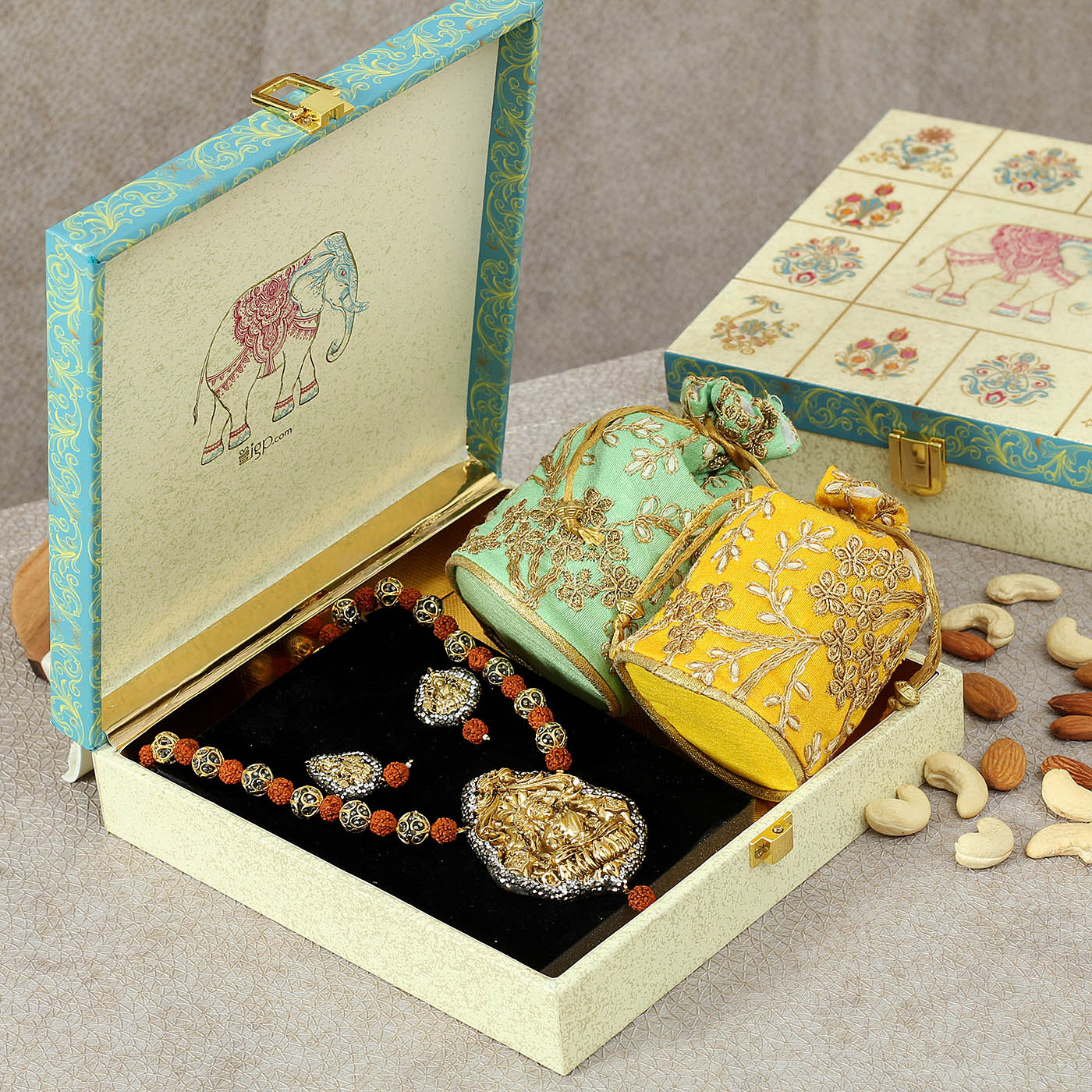6 Pohi Gifts for Your Mother-in-Law