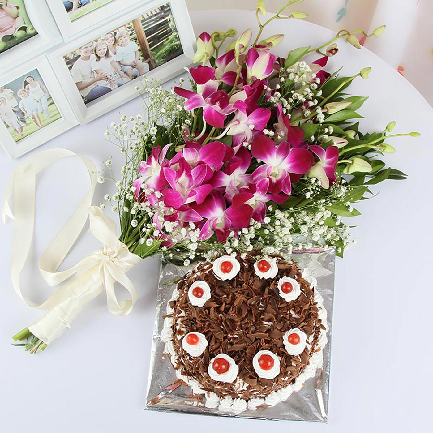 Flowers_and_Cake