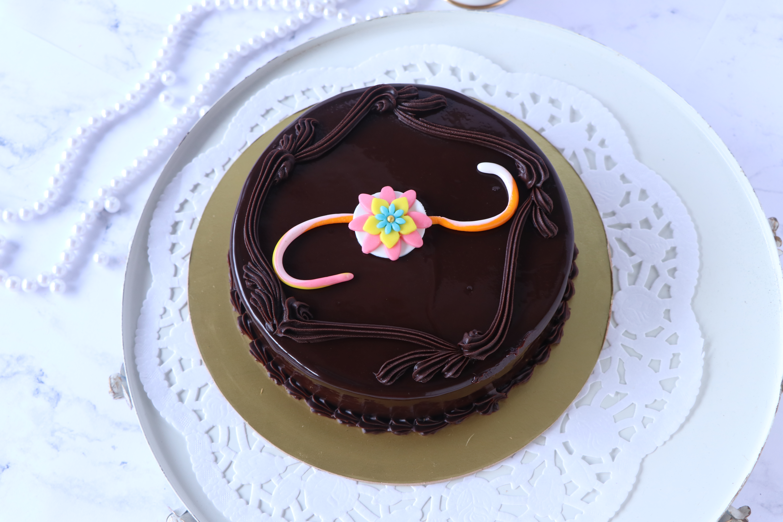 Rakhi_Chocolate_Cake
