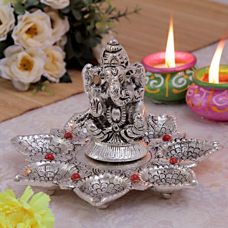 Metal Ganesh Diya