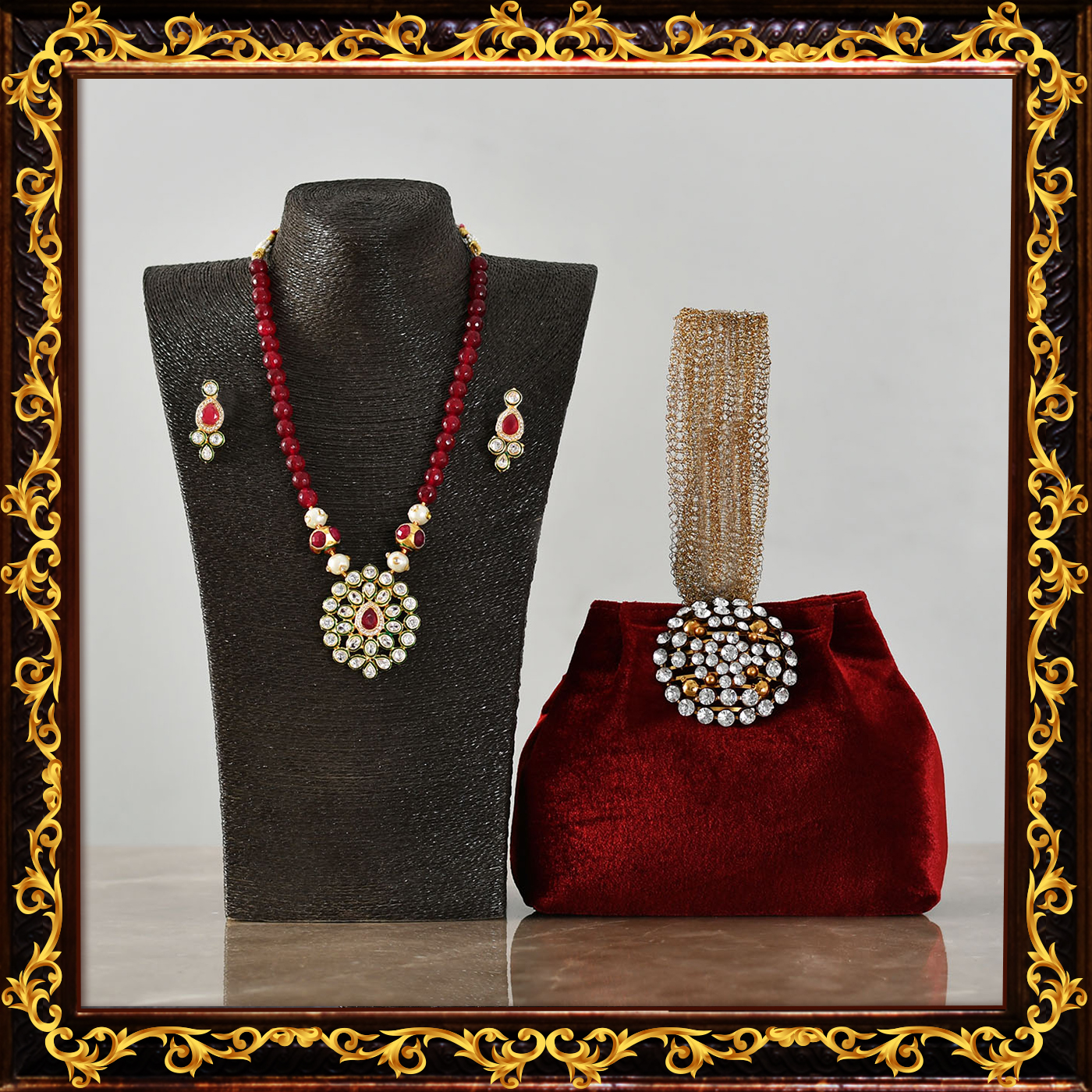 Kundan_set_with_velvet_purse